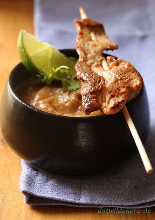 Spießiges für die Party: Chicken-Satay mit Erdnussdip